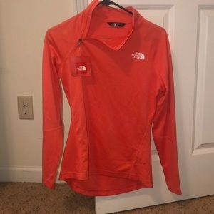 Light weight north face pullover